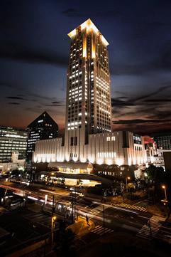 ホテル阪急インターナショナル外観画像夜景-240.jpg
